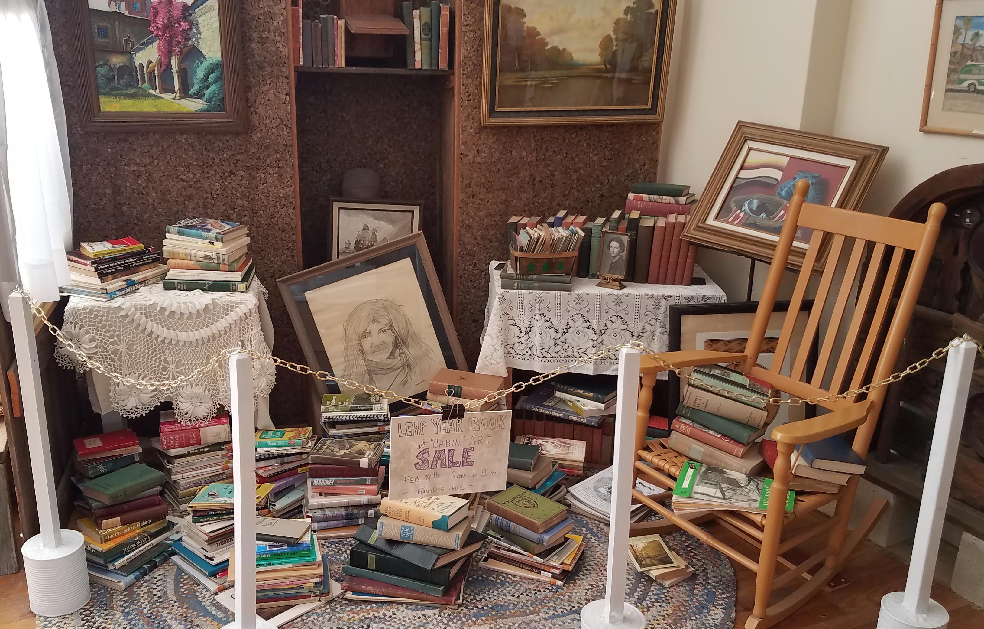 Book & Art Sisplay